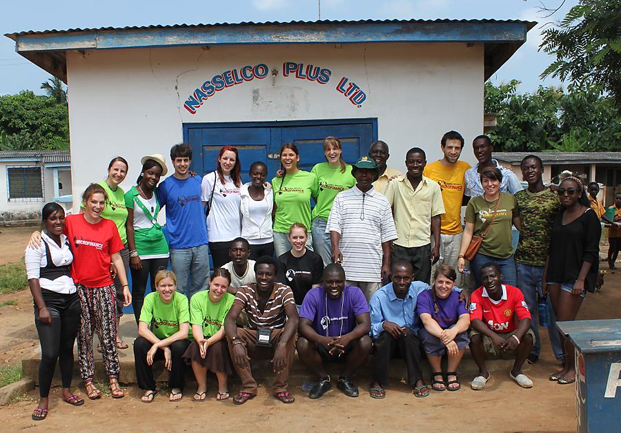 Teamfoto Mikrofinanzierungsprojekt 2012